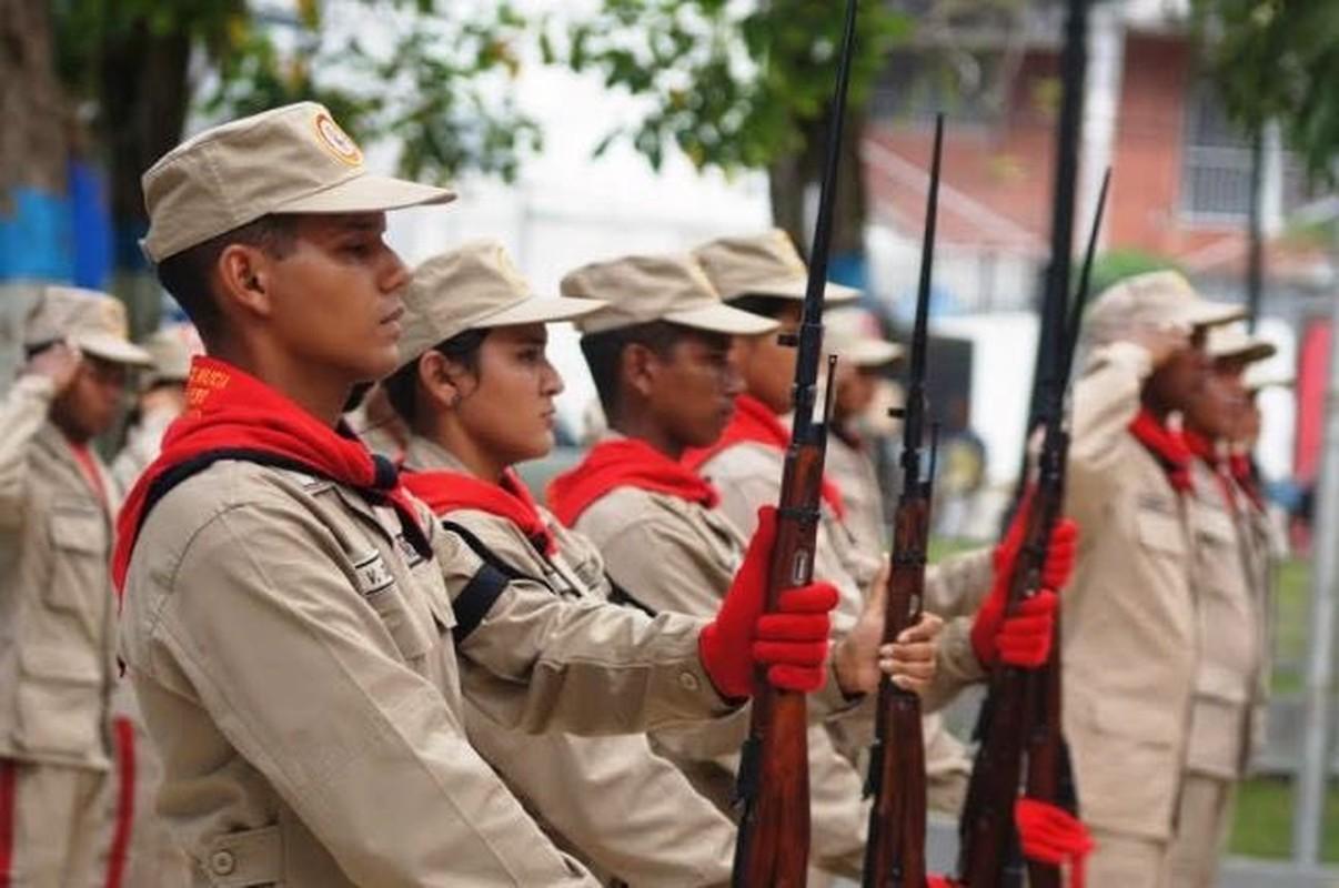 Hoanh trang dao quan nua trieu nguoi Venezuela dieu binh-Hinh-7