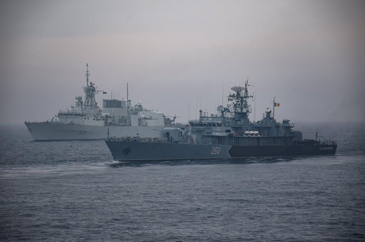 "Vu khi Nga ""gao thet kinh hoang"" tra dua NATO o bien Den-Hinh-10"