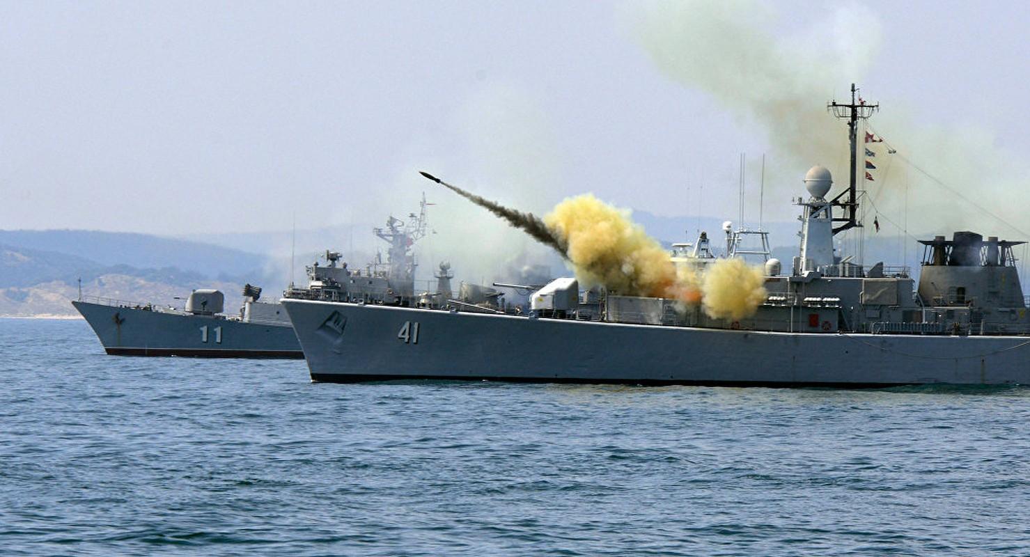 "Vu khi Nga ""gao thet kinh hoang"" tra dua NATO o bien Den-Hinh-11"