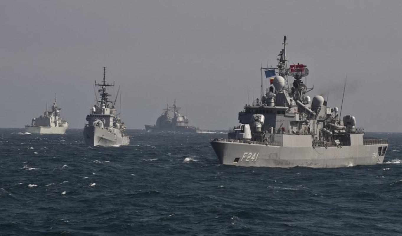 "Vu khi Nga ""gao thet kinh hoang"" tra dua NATO o bien Den-Hinh-2"