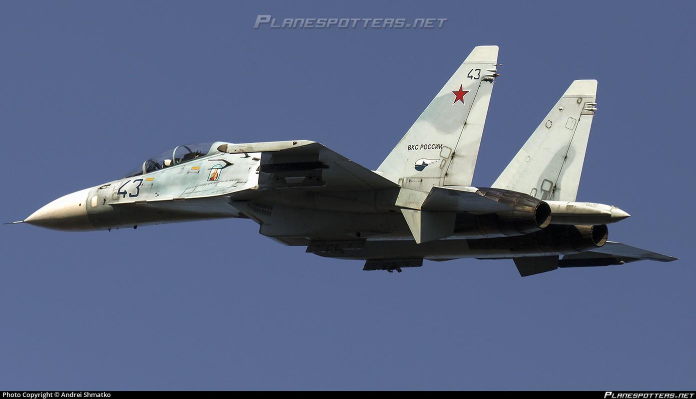 "Vu khi Nga ""gao thet kinh hoang"" tra dua NATO o bien Den-Hinh-6"
