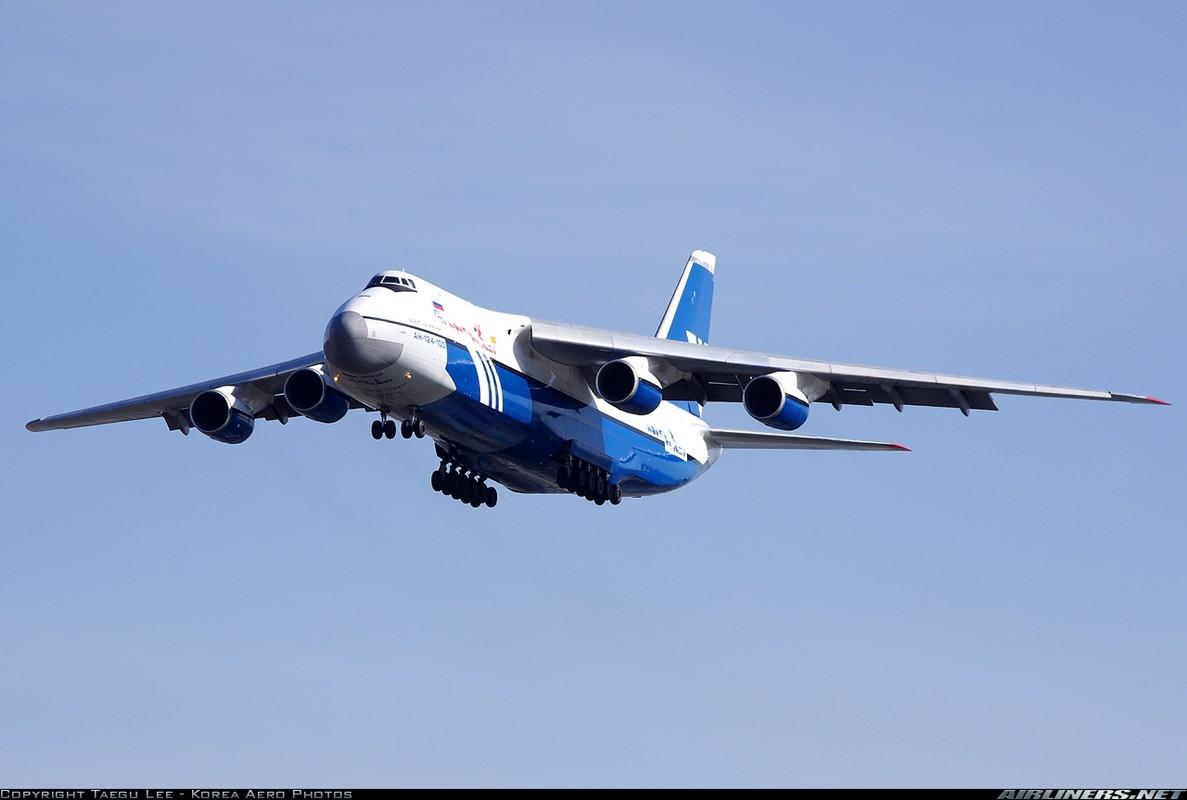 """Soi ung vien """"tong tien"""" sieu van tai co An-124 ve vuon-Hinh-11"""
