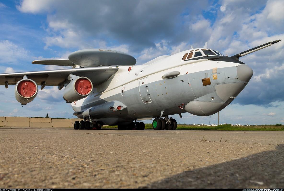 """Ngo ngang hinh hai """"radar bay"""" tuong lai cua Khong quan Nga-Hinh-4"""