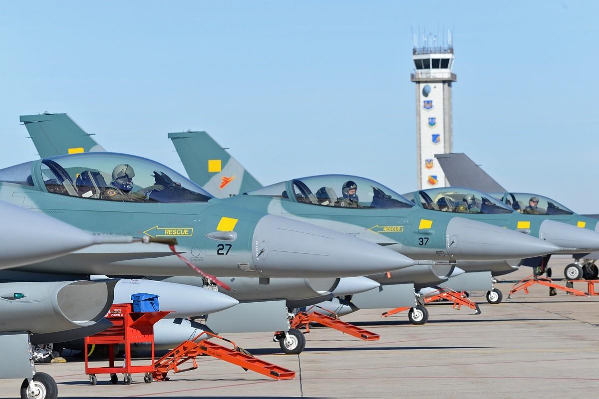 Sap co Su-35S Nga, Indonesia con di mua F-16 My lam gi?-Hinh-3