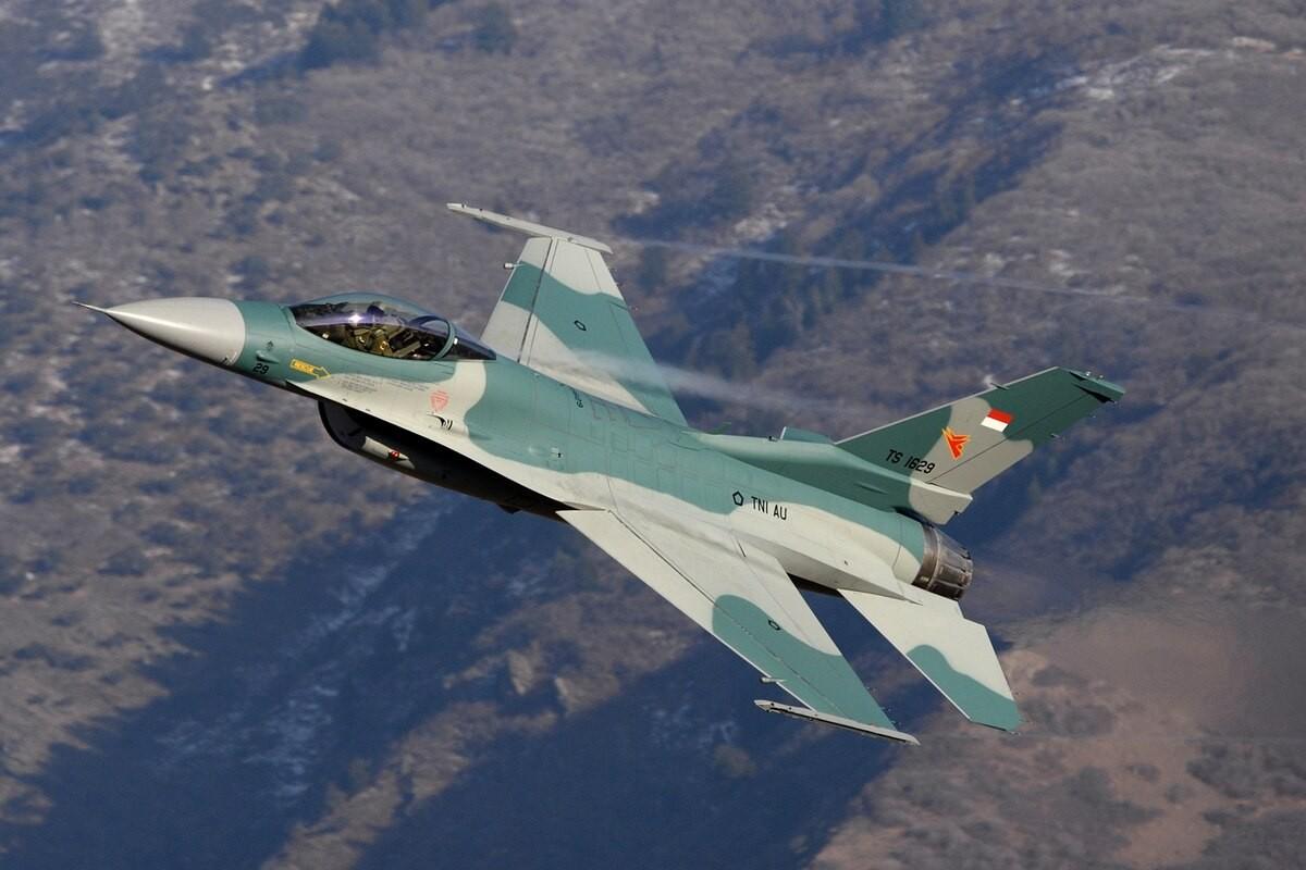 Sap co Su-35S Nga, Indonesia con di mua F-16 My lam gi?-Hinh-5