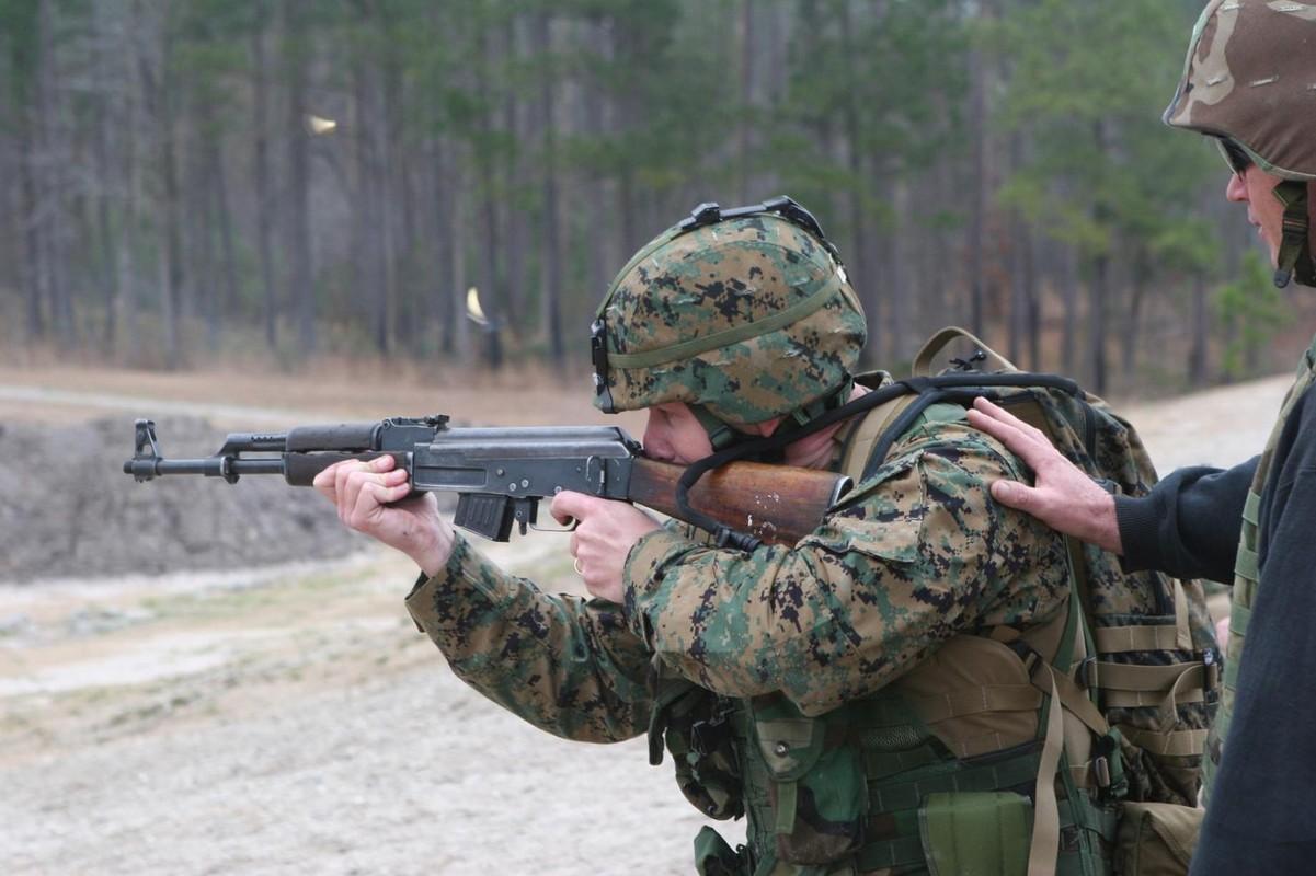 La chua: My mua hang trieu vien dan AK-47, DshKM-Hinh-4