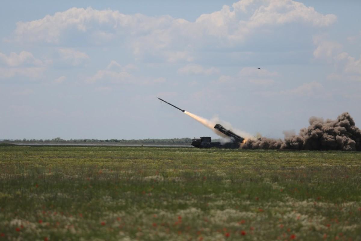 "Can canh sieu rocket Ukraine ban xa 130km khien Nga ""lanh gay""-Hinh-3"