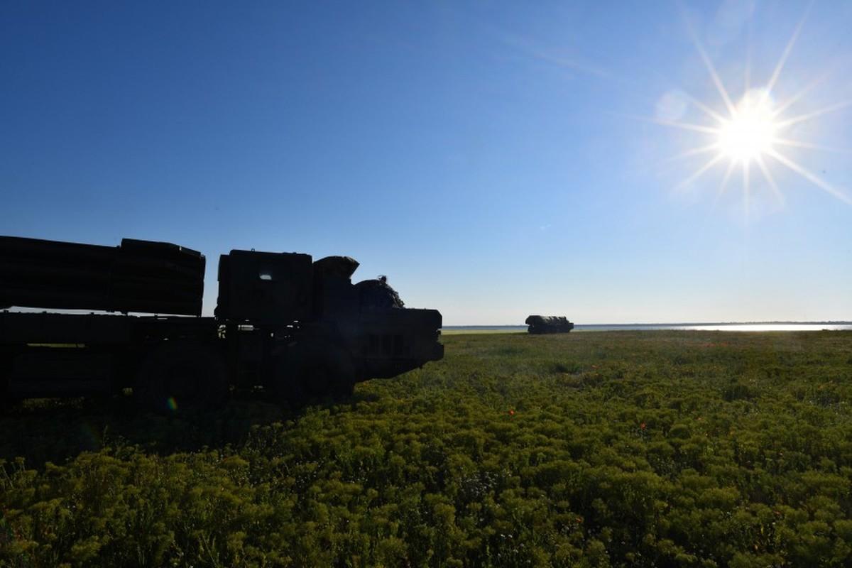 "Can canh sieu rocket Ukraine ban xa 130km khien Nga ""lanh gay""-Hinh-5"