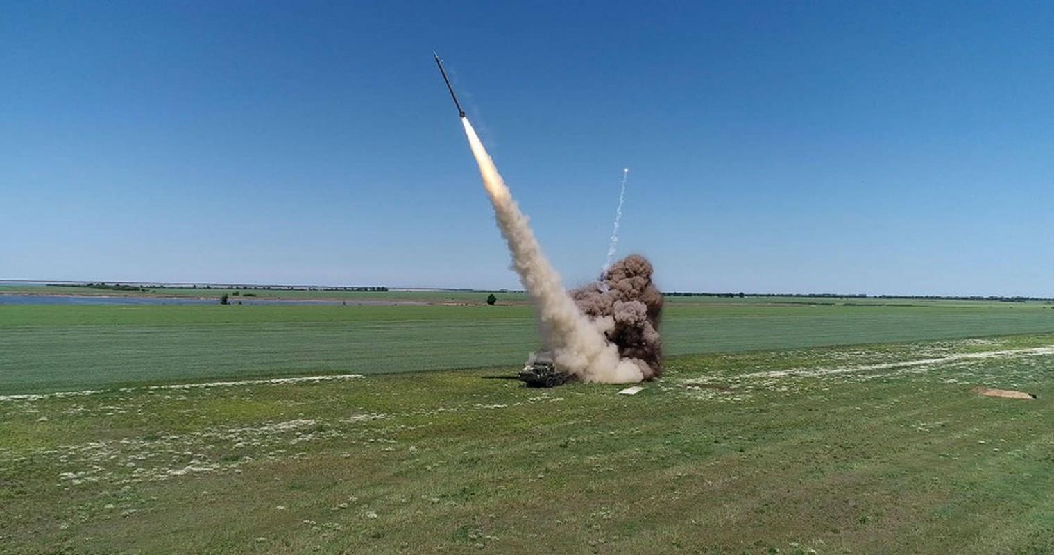 "Can canh sieu rocket Ukraine ban xa 130km khien Nga ""lanh gay""-Hinh-8"