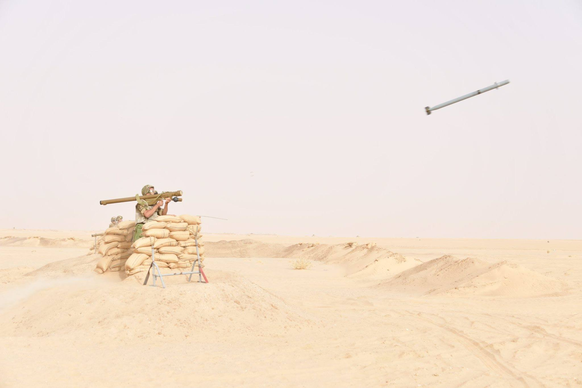 """La: UAV Trung Quoc """"ke vai chien dau"""" voi Su-30-Hinh-10"""