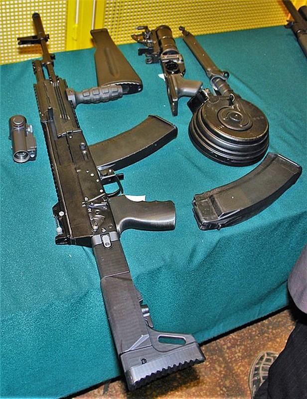 Thich thu: Nguoi dan Nga sap duoc so huu sung truong AK-12-Hinh-4