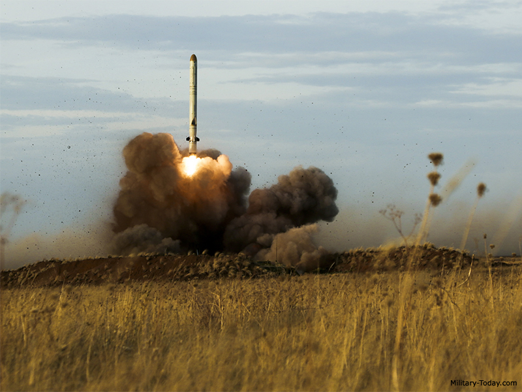 "Vi sao NATO ""cau xin"" Nga loai bien che ten lua 9M729 Iskander-K?"