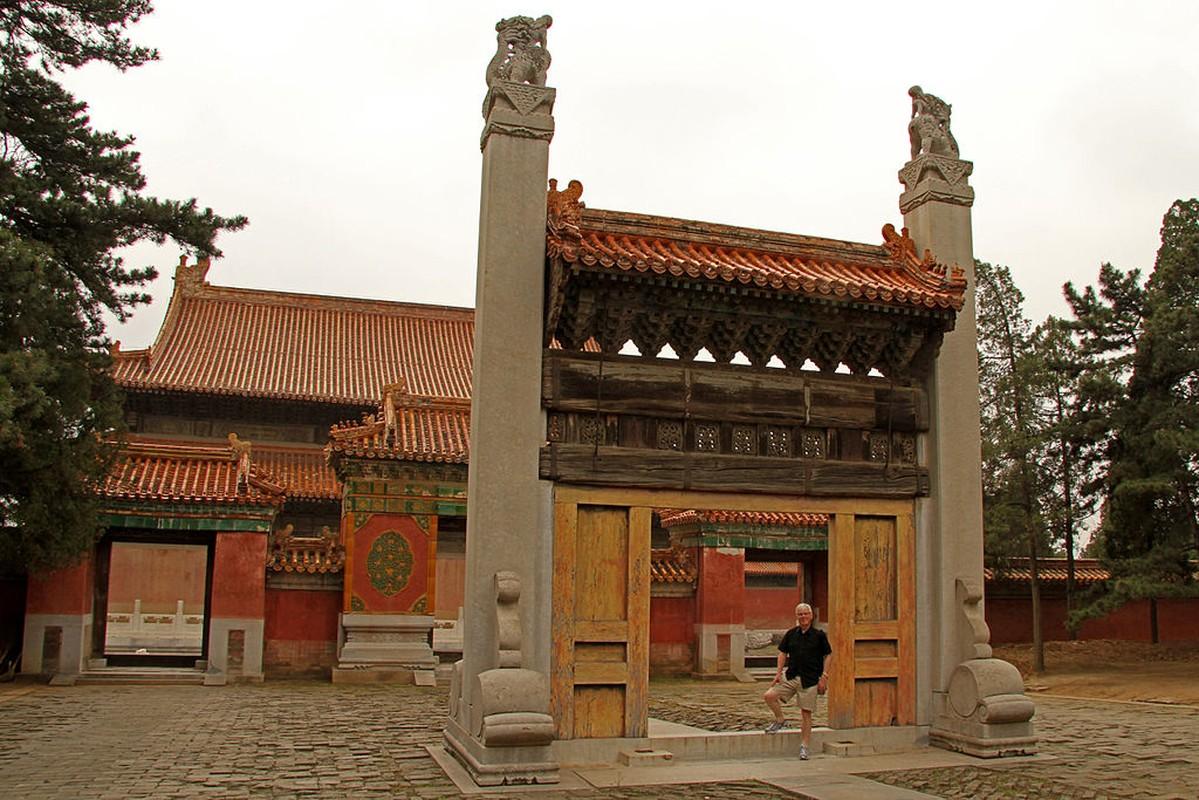 Tiet lo cuc choang ve lang mo Hoang de Can Long-Hinh-7