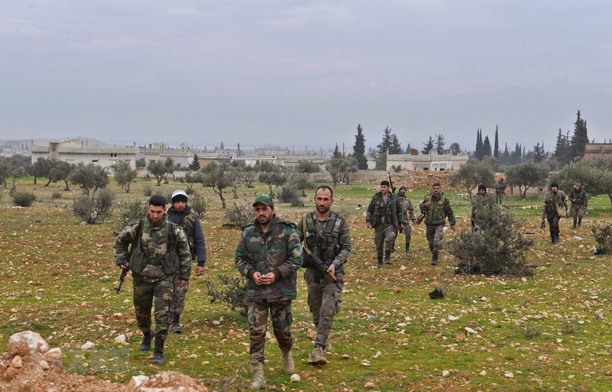 Tinh bao Nga da truc tiep cuu hon 30 tuong linh Syria thoat chet-Hinh-8