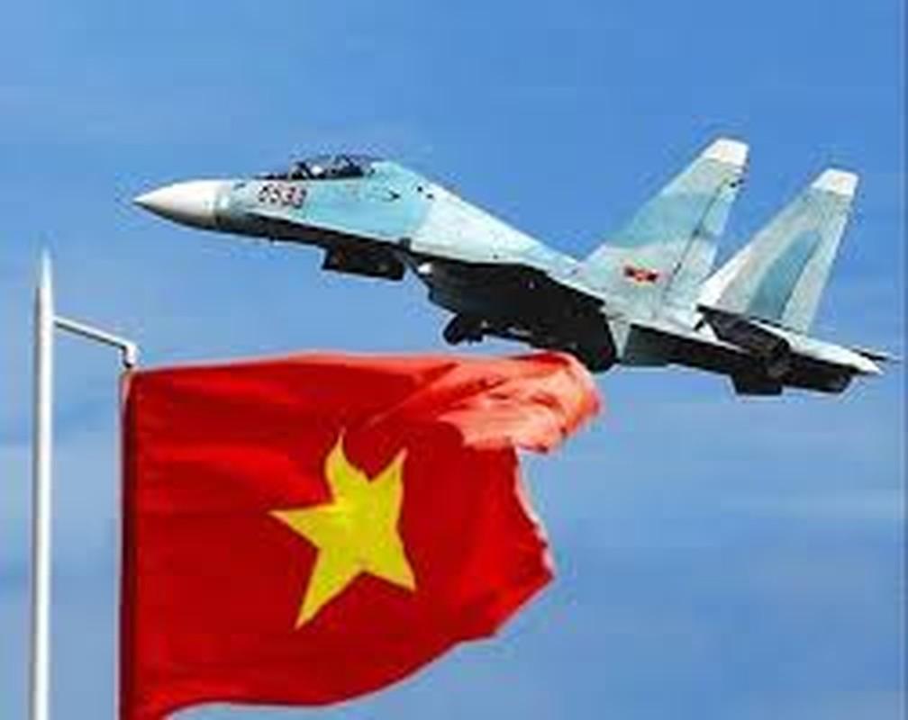 Khong quan Viet Nam tung ban ha
