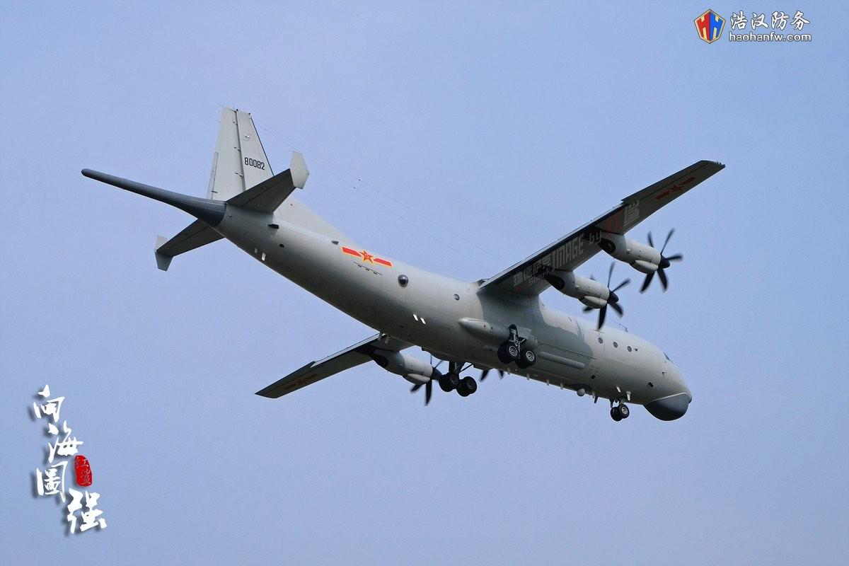 Mo xe may bay KQ-200 va KJ-500 Trung Quoc dieu trai phep den Truong Sa-Hinh-2