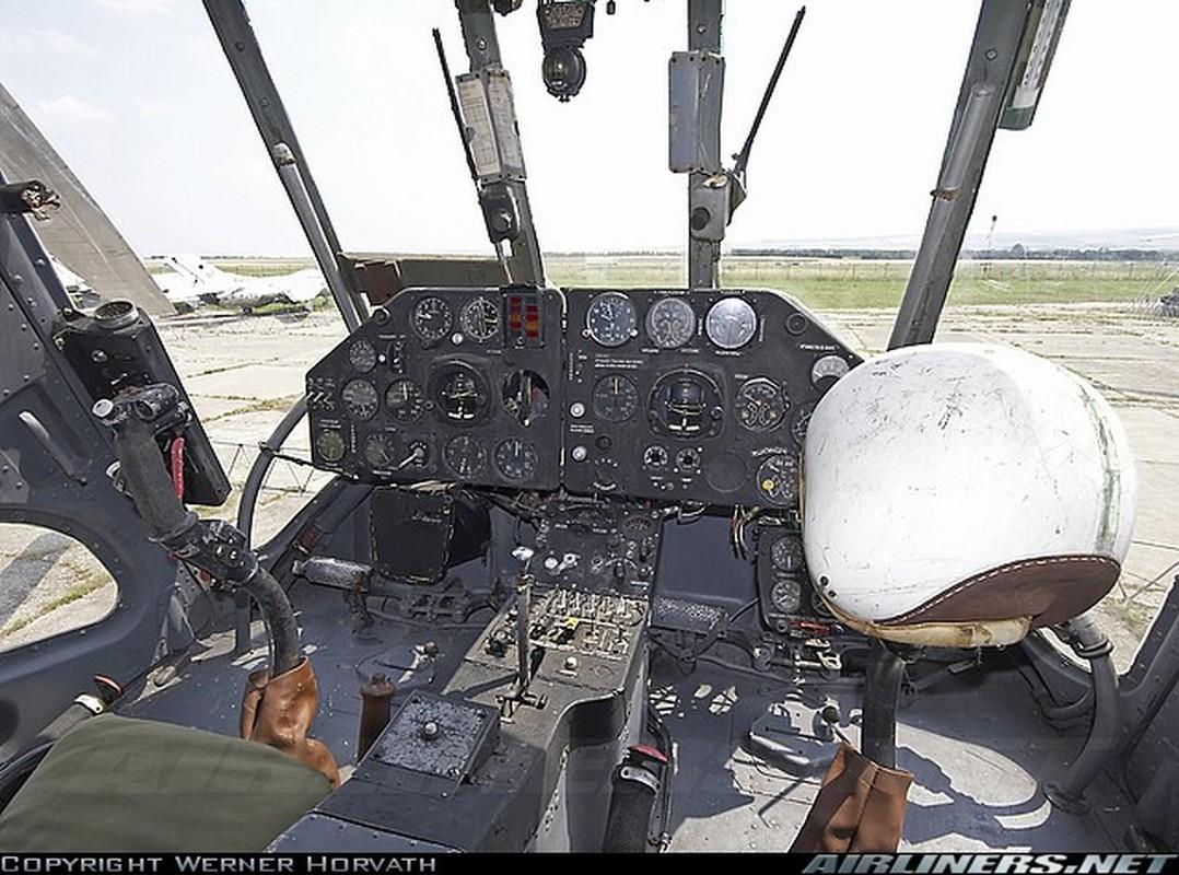 Truc thang Mi-4 Lien Xo va chiec chuyen co hang A tung phuc vu Bac Ho-Hinh-4