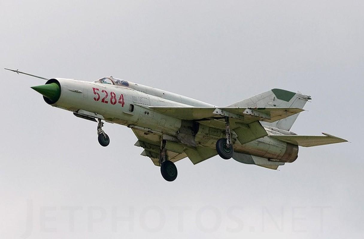 Chi tiet doc la tren nhung chiec MiG-21 dau tien Viet Nam tiep nhan-Hinh-2