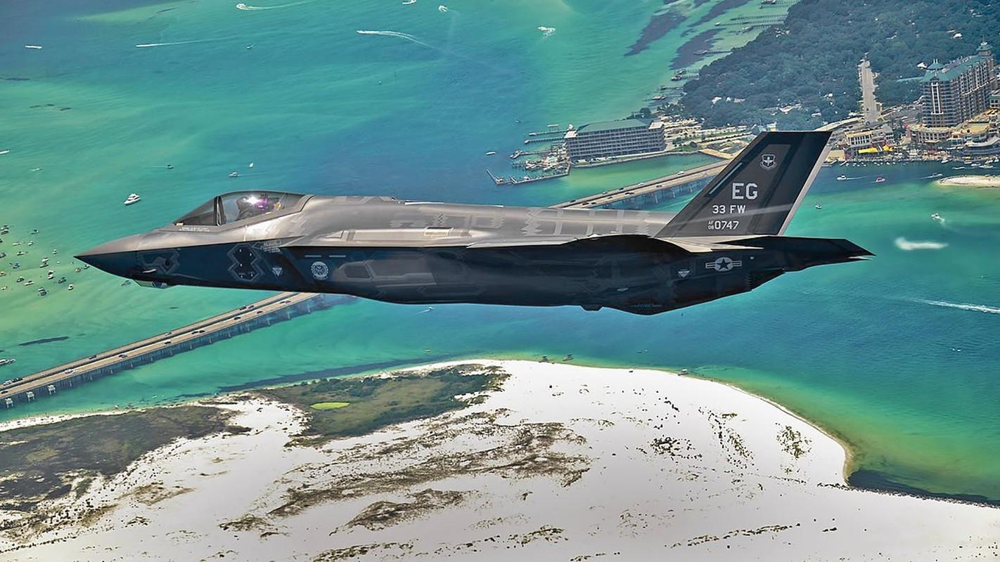 May bay F-22, F-35 lien tuc