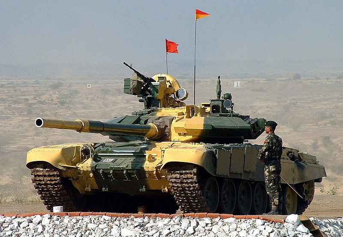 Vu khi phong khong tren xe tang T-90S Viet Nam co gi dac biet?
