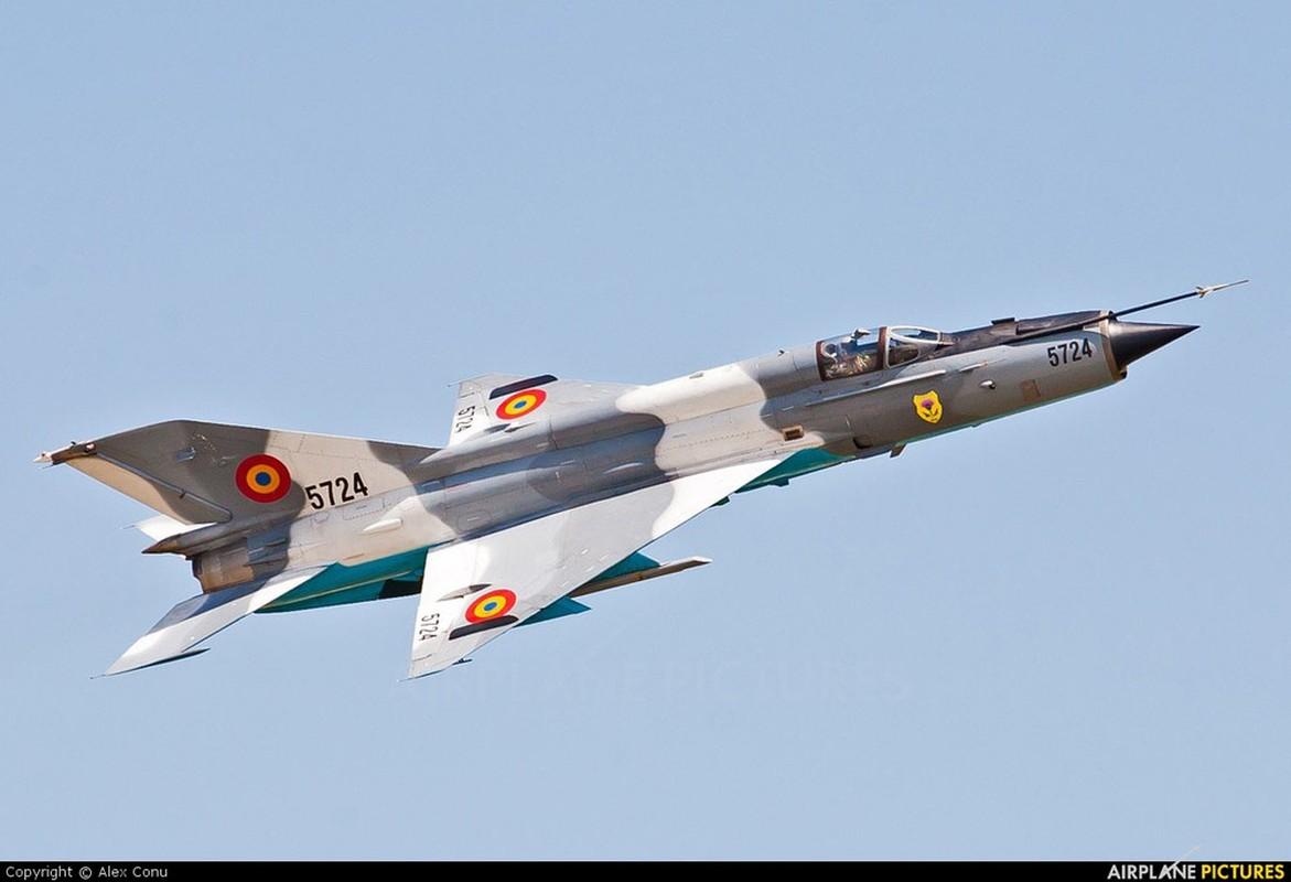 F-16 Tho Nhi Ky danh chan Tu-22M3 Nga tren bien Den: Crimea day song-Hinh-3