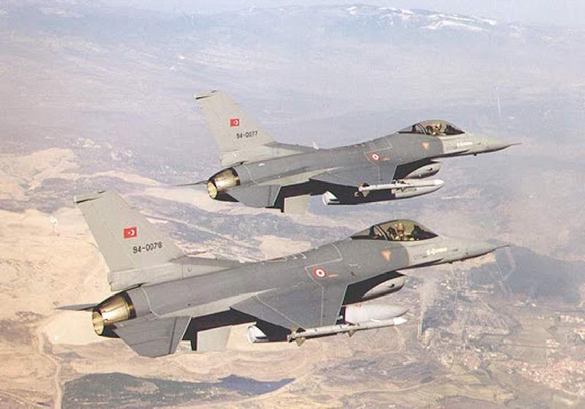 F-16 Tho Nhi Ky danh chan Tu-22M3 Nga tren bien Den: Crimea day song-Hinh-6