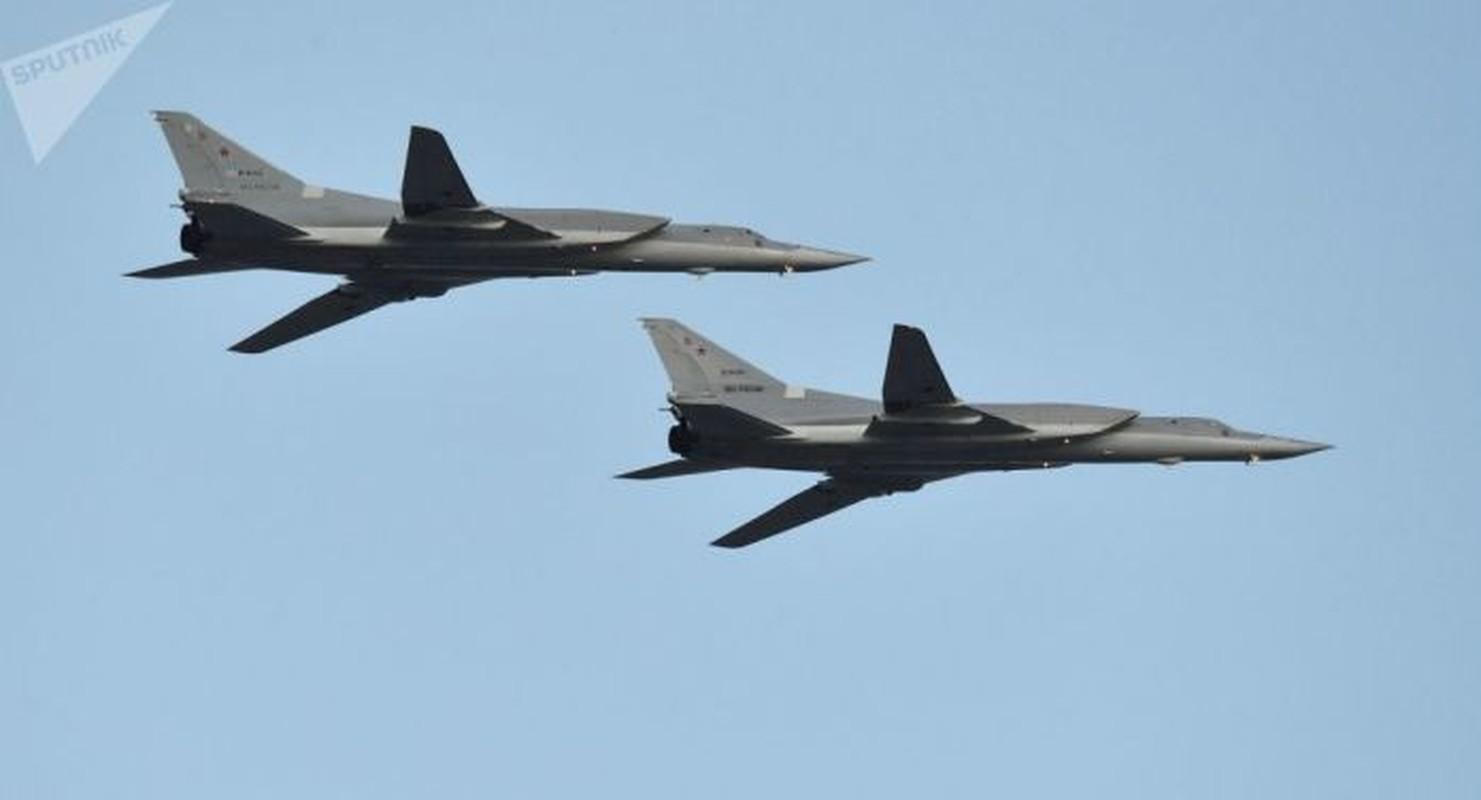 F-16 Tho Nhi Ky danh chan Tu-22M3 Nga tren bien Den: Crimea day song-Hinh-9