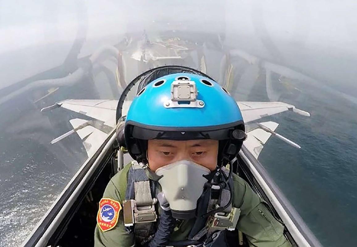 Khong quan Trung Quoc thua thai may bay nhung trinh do phi cong qua kem-Hinh-4