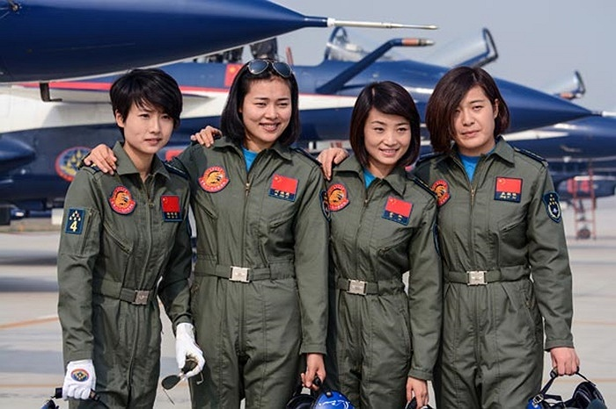 Khong quan Trung Quoc thua thai may bay nhung trinh do phi cong qua kem-Hinh-6