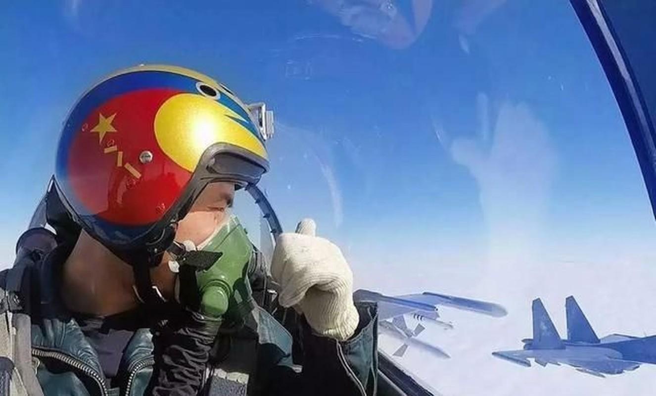 Khong quan Trung Quoc thua thai may bay nhung trinh do phi cong qua kem-Hinh-8