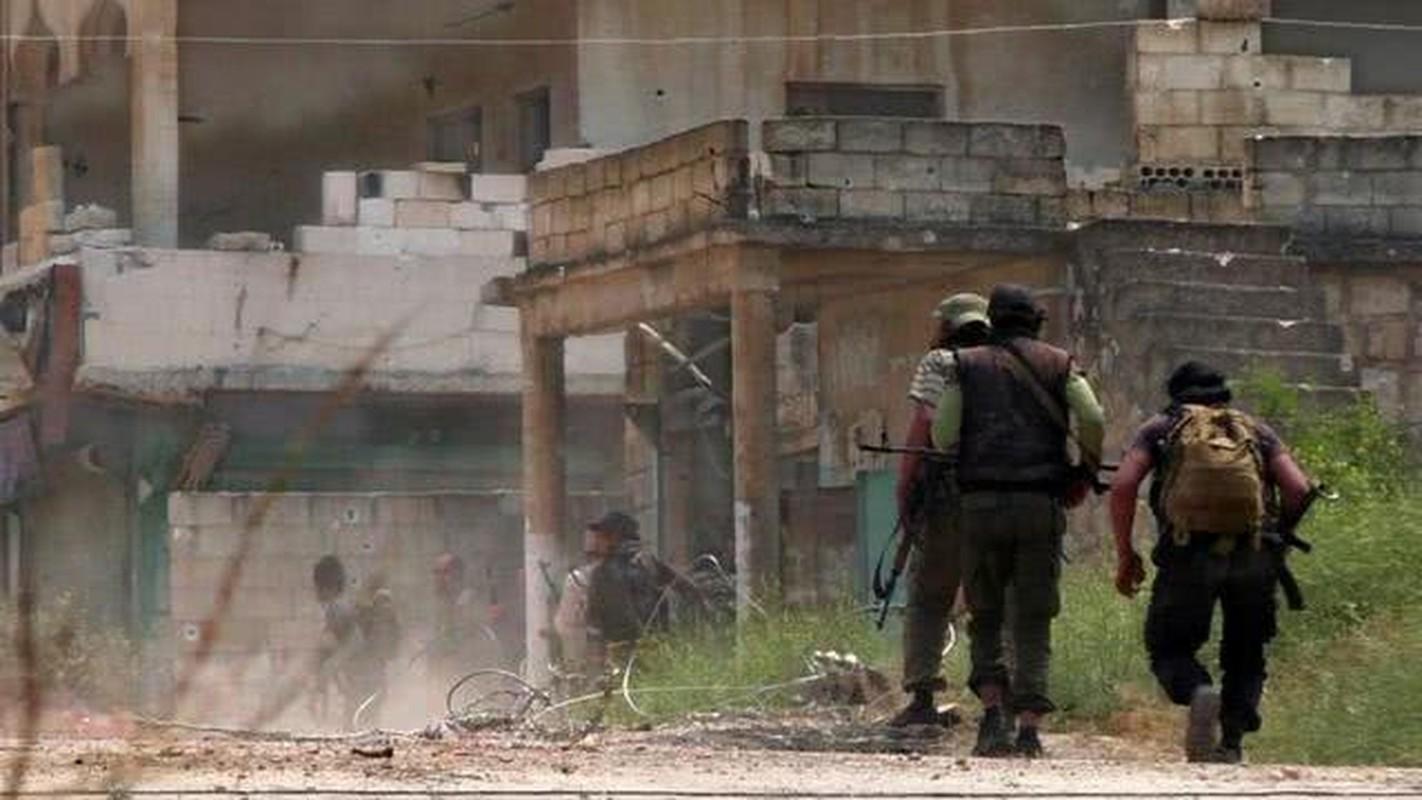 Nong: Xe tuan tra Tho Nhi Ky trung bom tren duong M4, nhieu thuong vong-Hinh-12