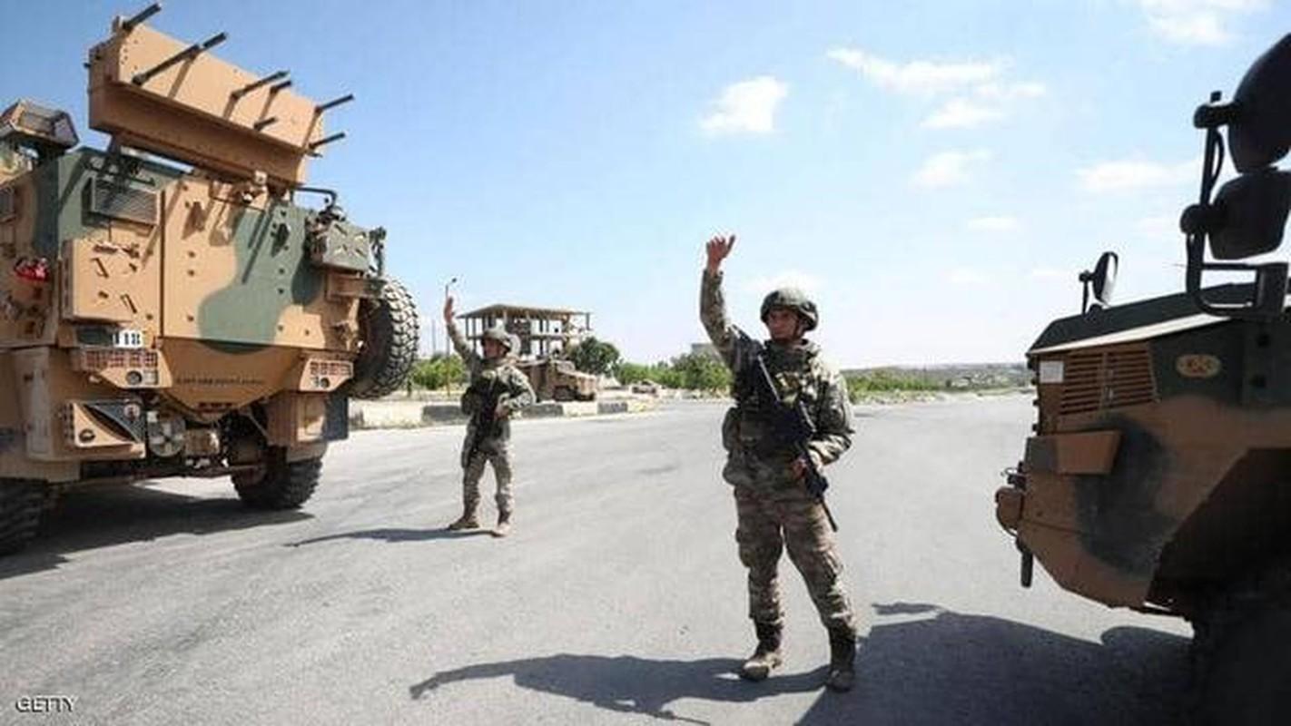 Nong: Xe tuan tra Tho Nhi Ky trung bom tren duong M4, nhieu thuong vong-Hinh-6