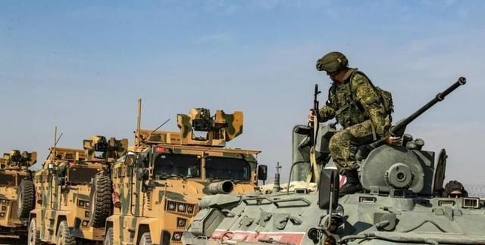 Nong: Xe tuan tra Tho Nhi Ky trung bom tren duong M4, nhieu thuong vong-Hinh-7