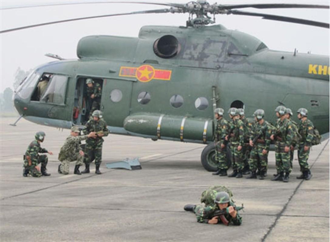Linh Dac cong Viet Nam mang trang bi cuc khung do bo tu truc thang-Hinh-10