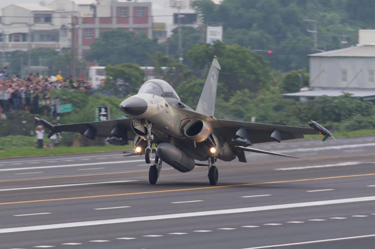 Khong quan Singapore trang bi tiem kich F-35B: Su tu moc them canh!-Hinh-5