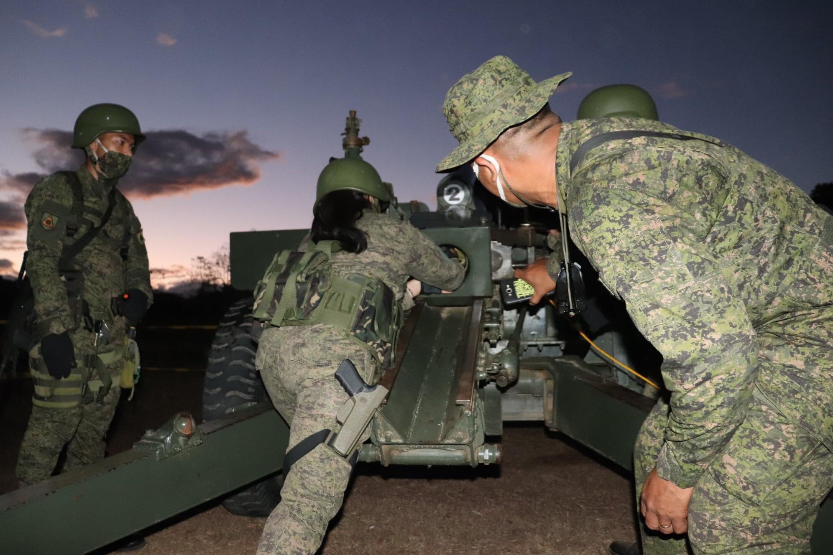 Muc kich nu phao binh Philippines na dan M101 co nong 105mm-Hinh-10