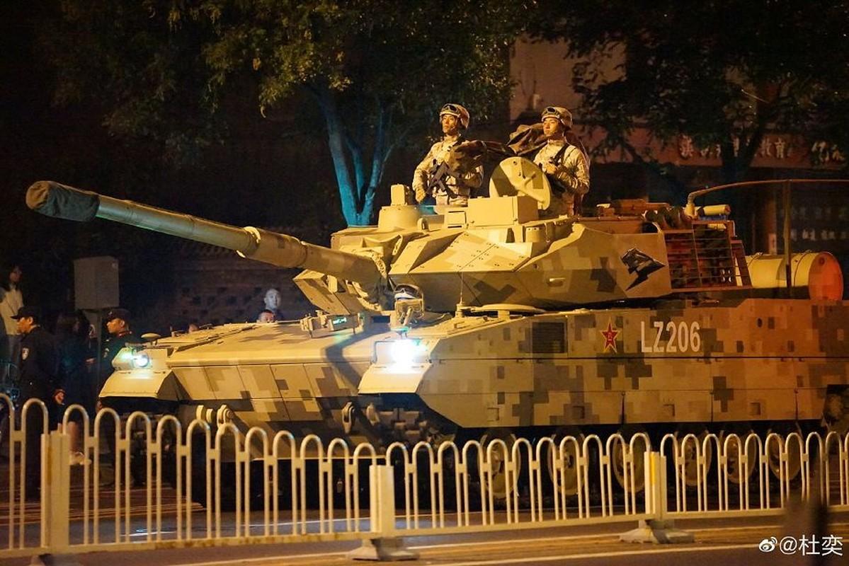Nong: An Do keo dan tang T-90 len bien gioi... Trung Quoc coi chung
