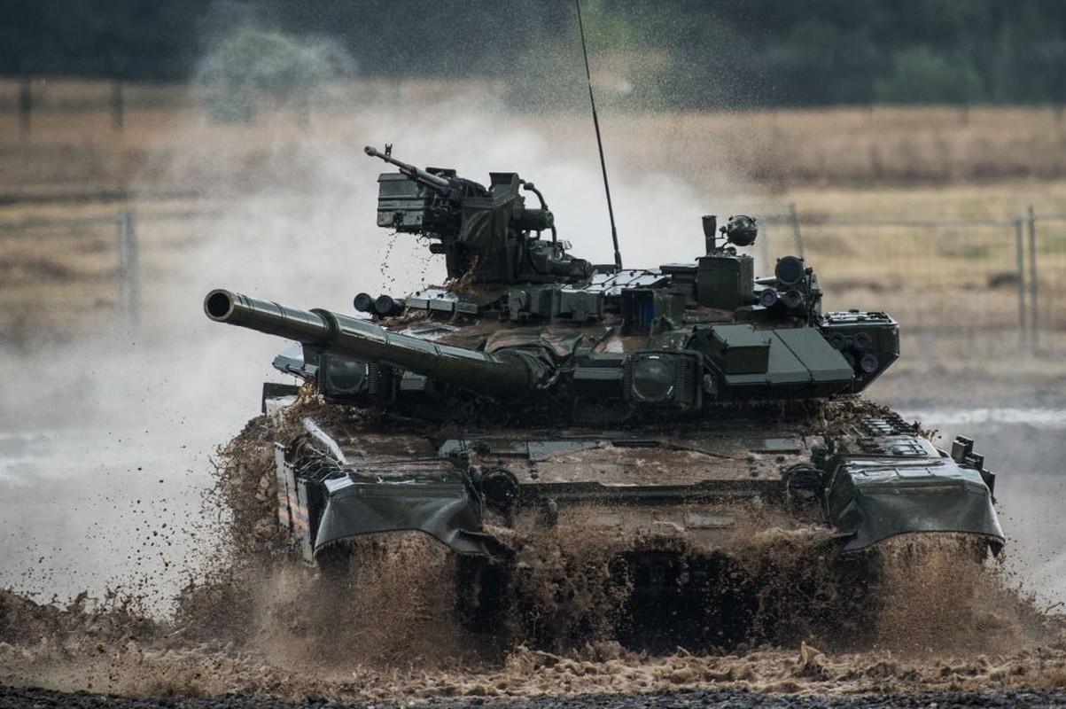 Vi sao gioi lanh dao quan doi Nga khong man ma voi xe tang T-90?-Hinh-2
