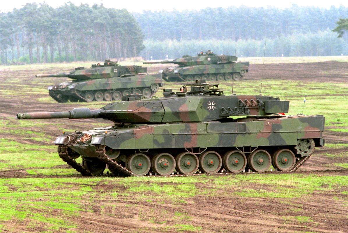 Vi sao gioi lanh dao quan doi Nga khong man ma voi xe tang T-90?-Hinh-4