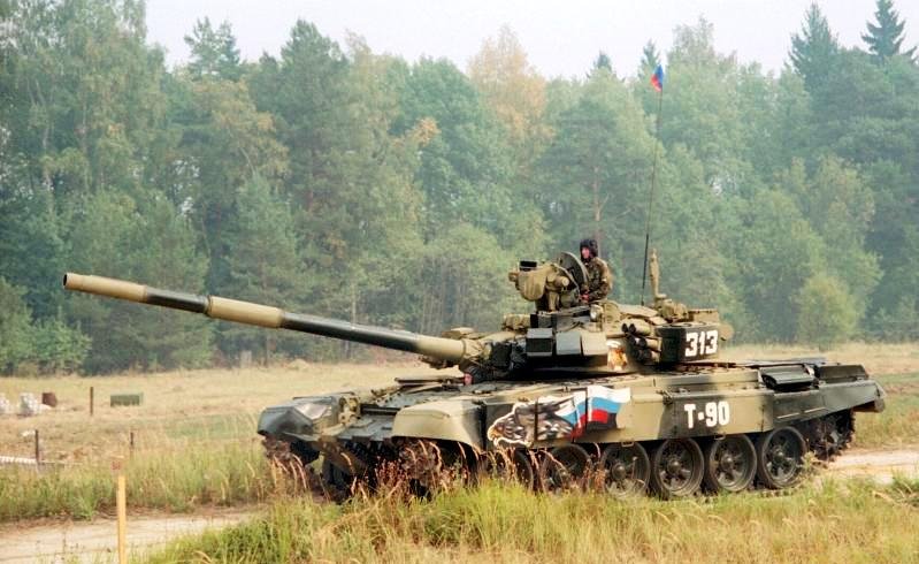 Vi sao gioi lanh dao quan doi Nga khong man ma voi xe tang T-90?-Hinh-8