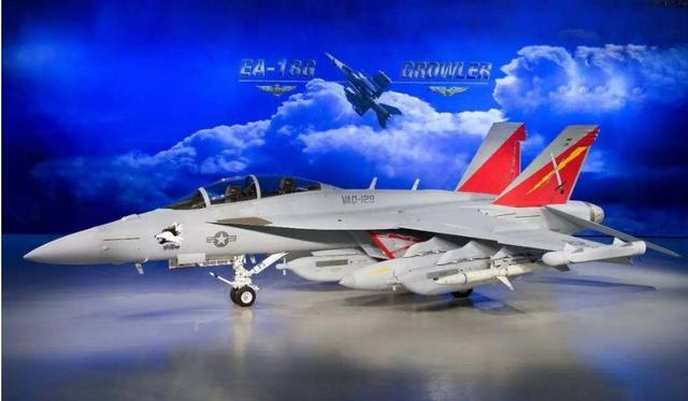 F-18E/F van la tiem kich ham chu luc cua My den 20 nam nua-Hinh-6
