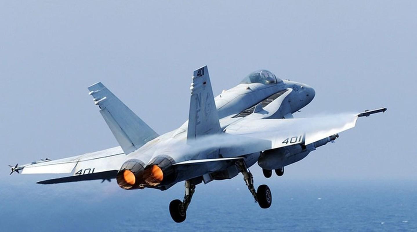 F-18E/F van la tiem kich ham chu luc cua My den 20 nam nua-Hinh-7