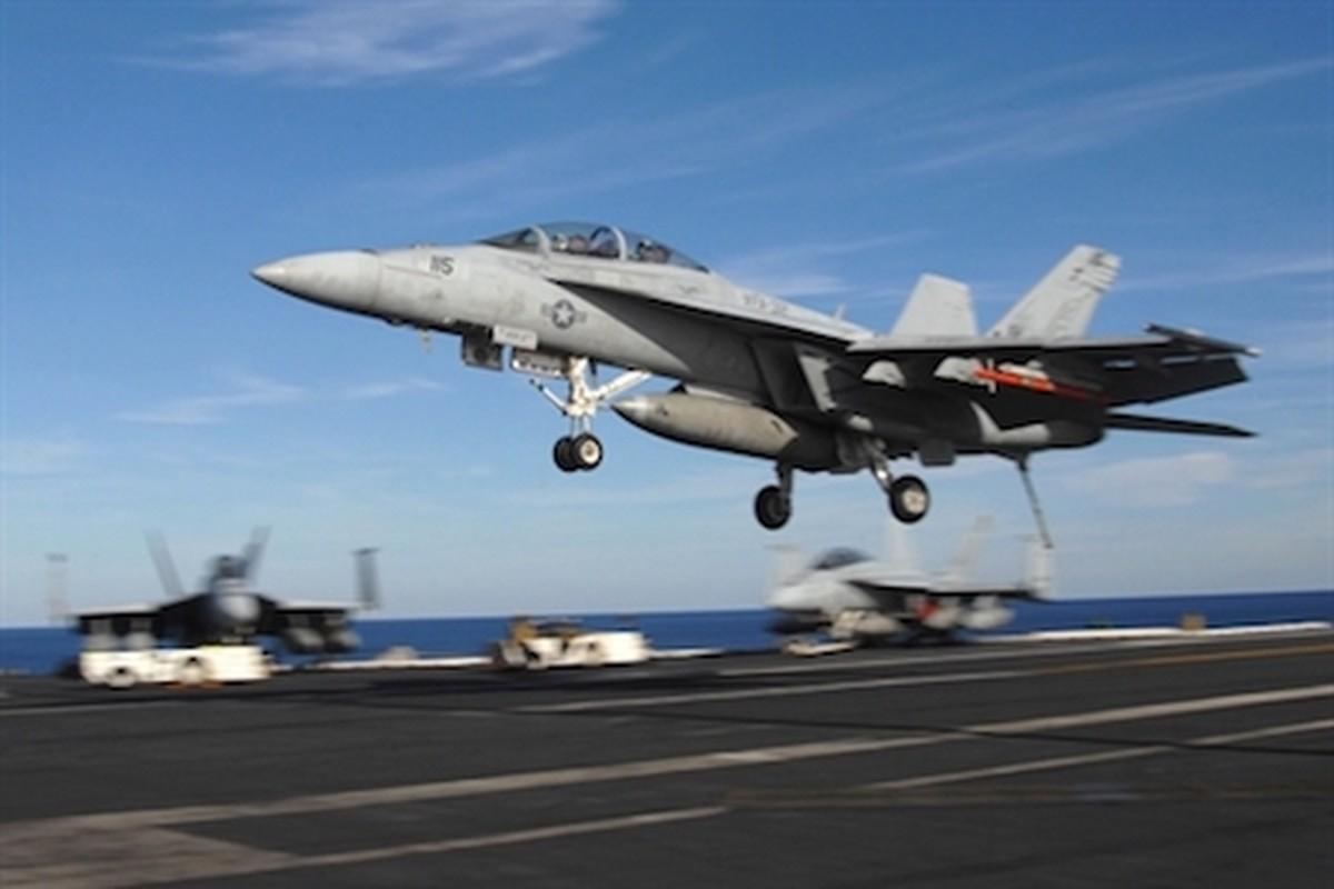F-18E/F van la tiem kich ham chu luc cua My den 20 nam nua-Hinh-9