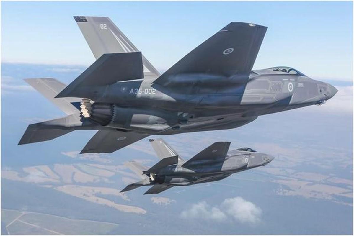 F-18E/F van la tiem kich ham chu luc cua My den 20 nam nua