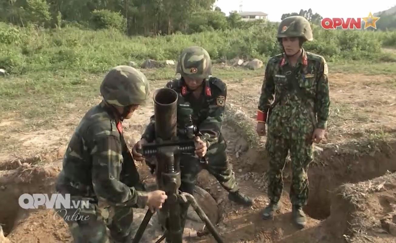 Phao binh Viet Nam huan luyen bang coi 100mm, cho toa sang o ARMY GAMES-Hinh-4