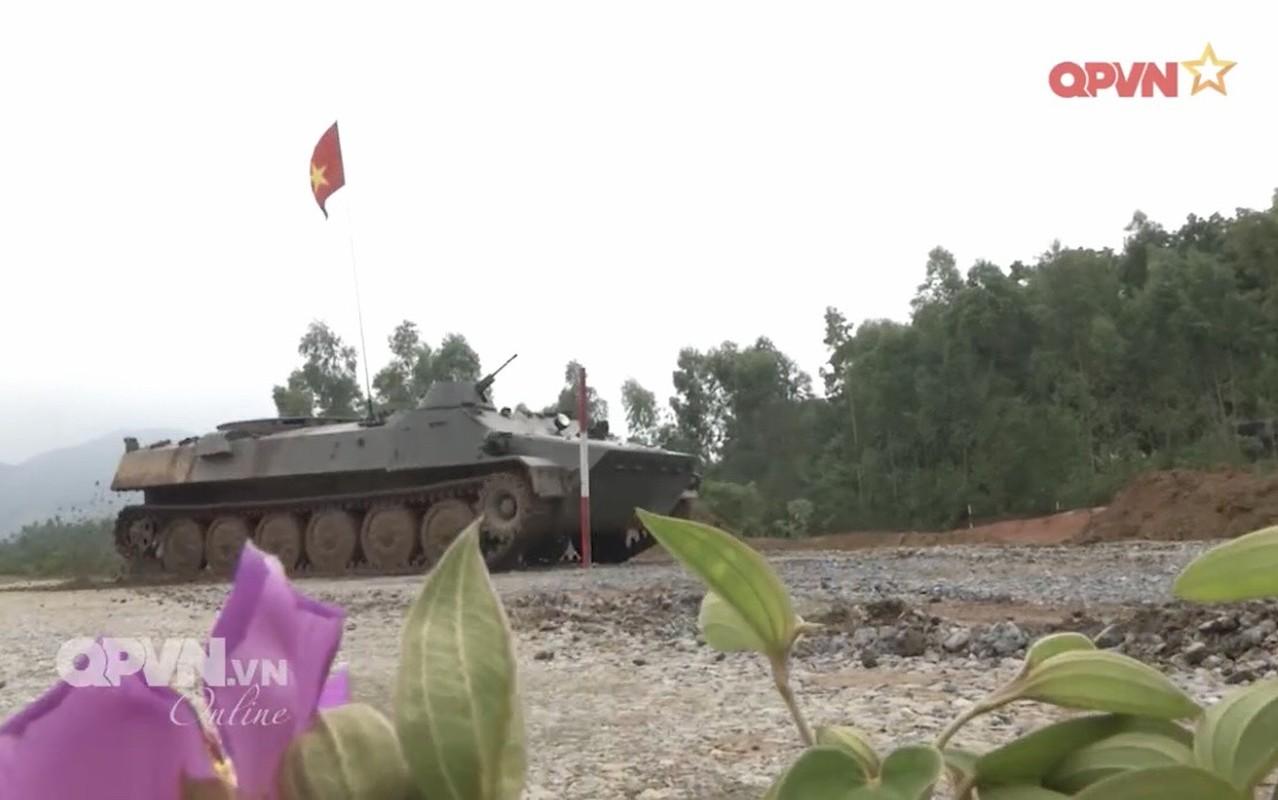 Phao binh Viet Nam huan luyen bang coi 100mm, cho toa sang o ARMY GAMES-Hinh-6
