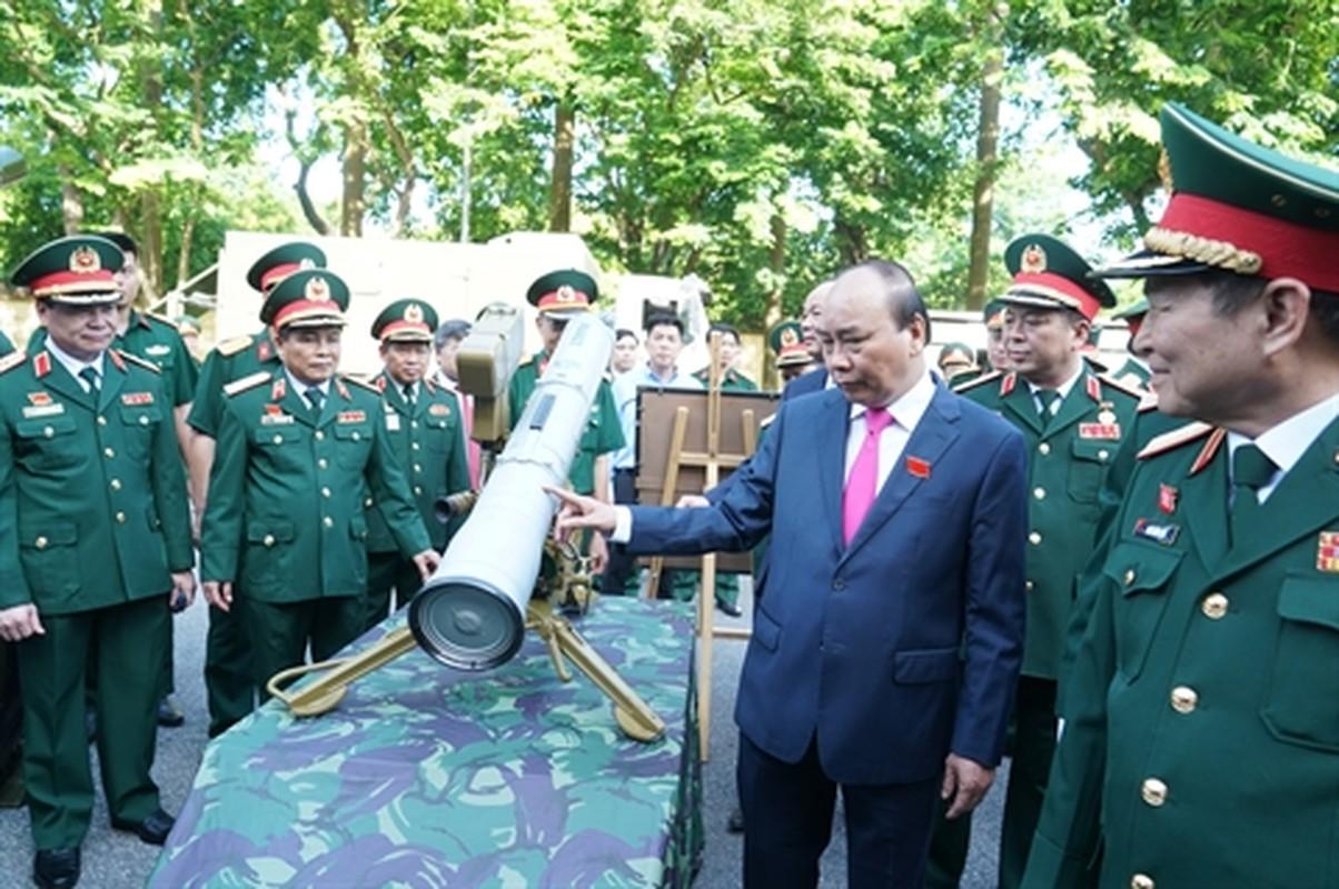 Nong: Sieu ten lua chong tang 9M113 Konkurs cua Viet Nam lan dau lo dien