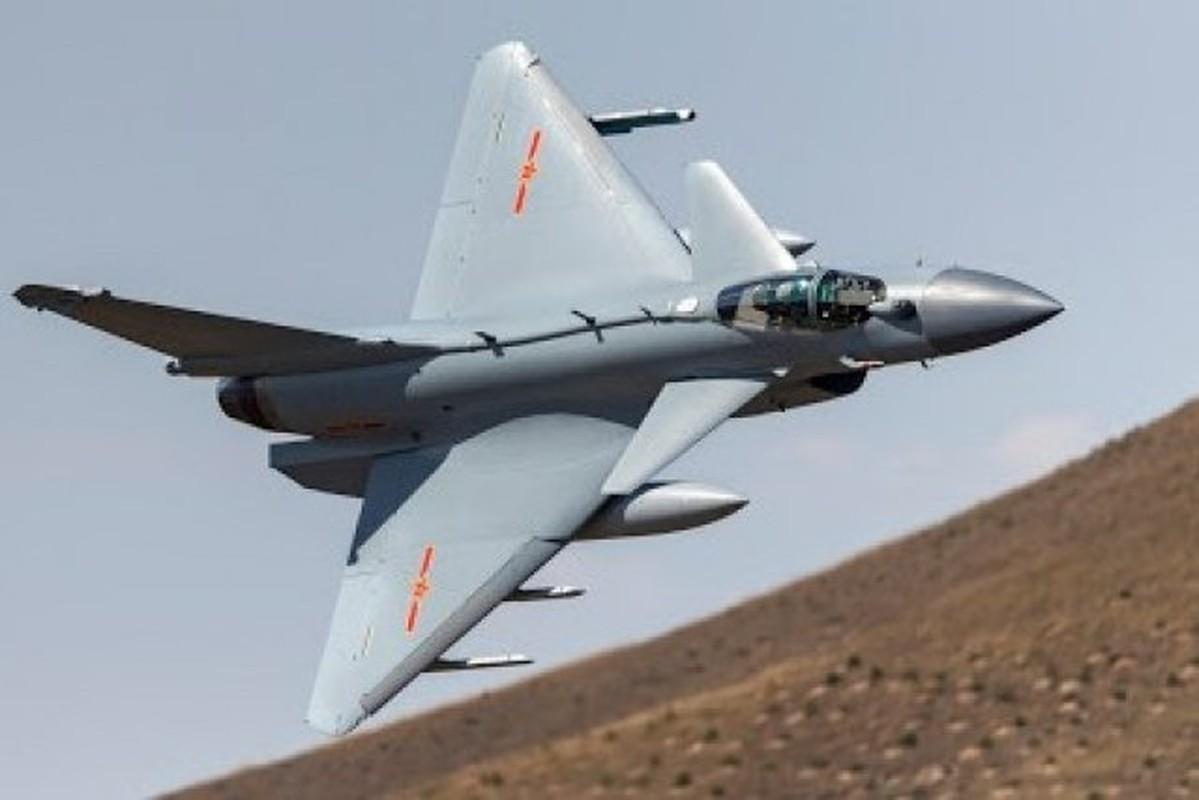Vi sao Iran dung mo cham toi tiem kich Su-30 Nga va J-10C Trung Quoc?-Hinh-11