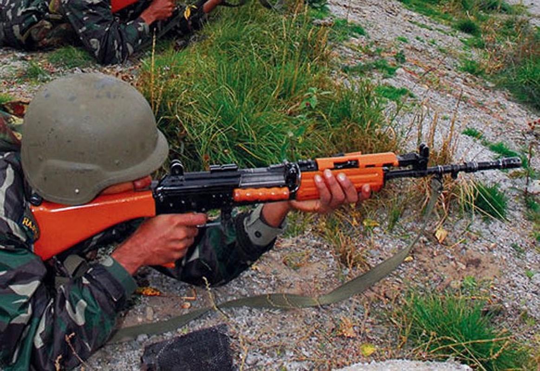 Vi sao An Do trang bi sung AK-203 cho luc luong chien dau cao nguyen?-Hinh-3