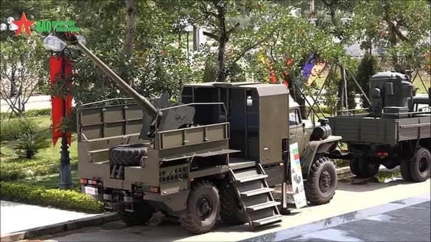 Phao tu hanh banh lop PTH85-VN18 Viet Nam tu che tao lan dau lo dien